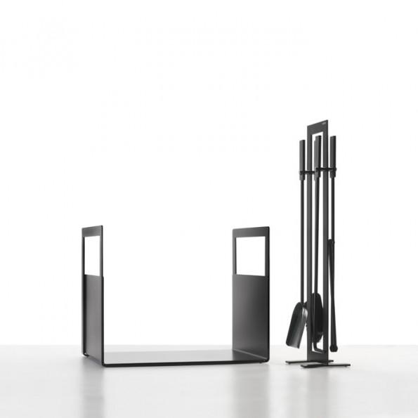 Kamingarnitur, Holzliege Eisen schwarz lackiert